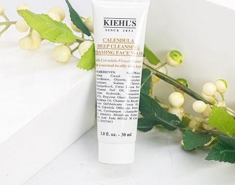 Sữa rửa mặt Kiehl's hoa cúc